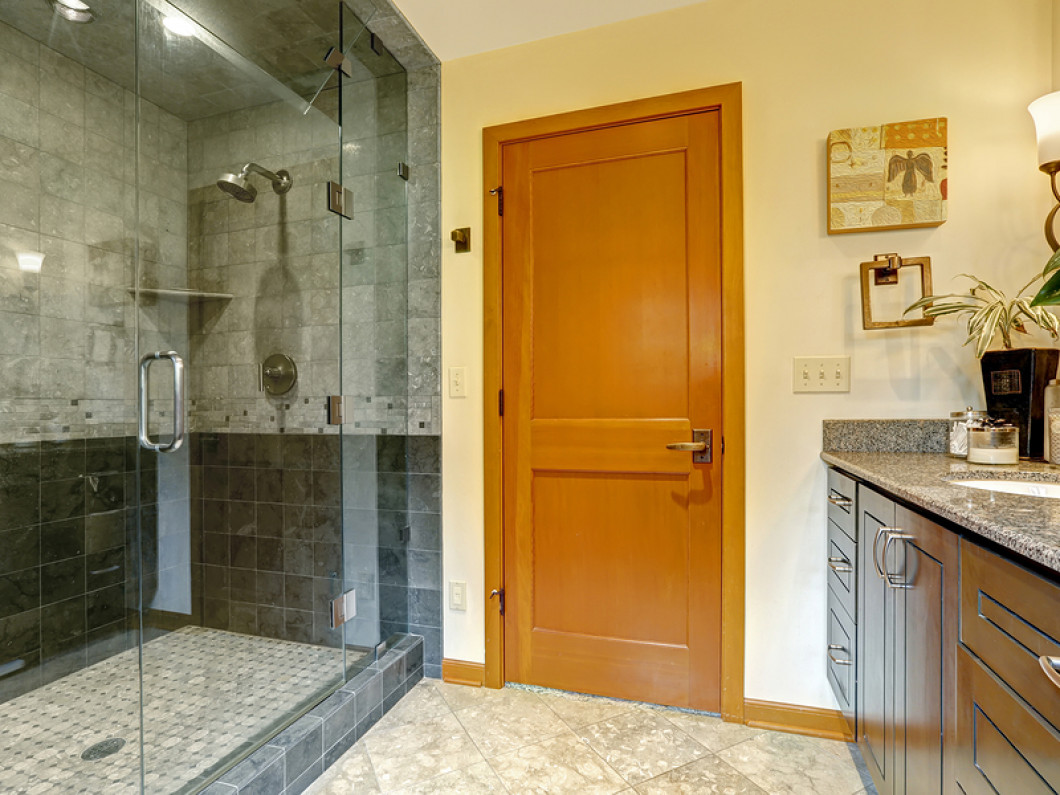 Custom Glass Shower Doors in Richmond or Williamsburg, VA